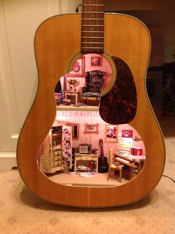 doll-house-in-guitar