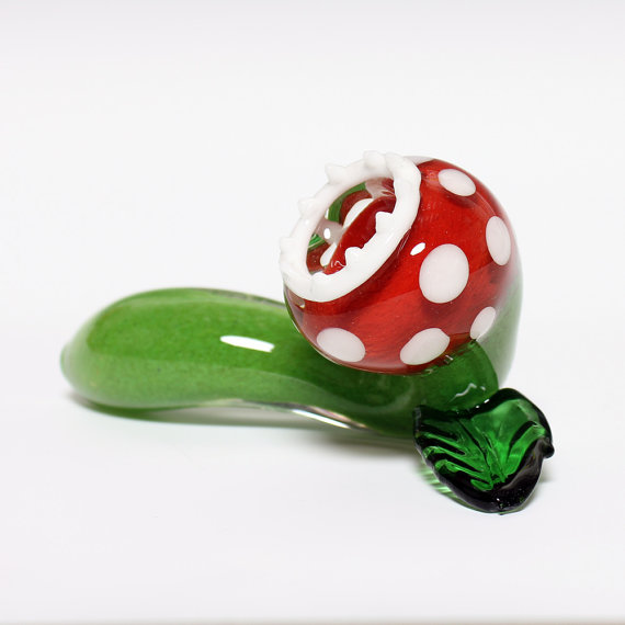 mario-piranha-plant-glass-pipe-1