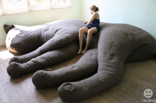 Giant-cat-couch
