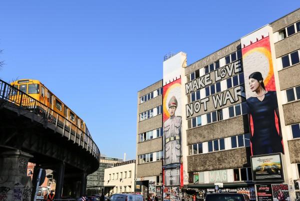 axe-peace-streetartberlin-(c)thangdai-02_original