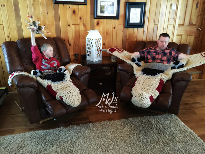 Crocheted-XWing-Fighter-Blankets