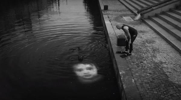 sinking1